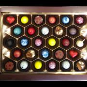 Набор шоколадных конфет с начинкой