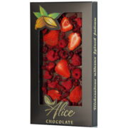 https://alice-chocolate.ru/wp-content/uploads/2018/05/Temnyj-s-klubnikoj-malinoj-i-vishnej.jpg